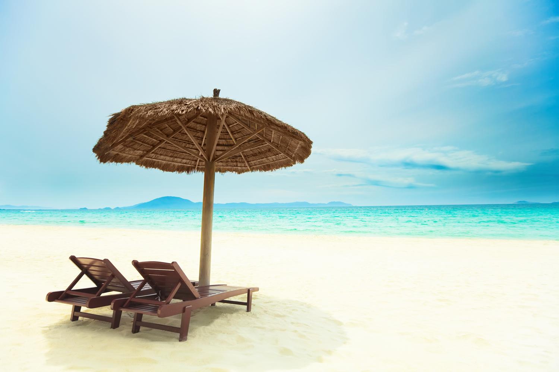 Písečná tropická pláž