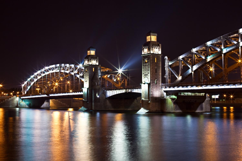 Železný most v noci